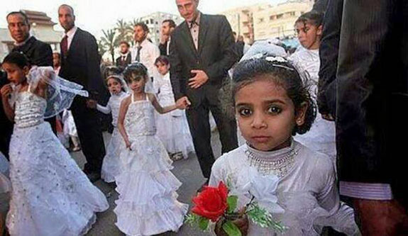 http://www.iranpoliticsclub.net/photos/muslim-child-brides/images/Muslim%20Child%20Brides%20Arab%20Group%20Wedding%20Palestine.jpg