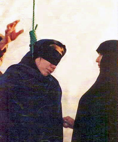 Sister of Zeynab (Right): Be strong infidel, Allah is merciful!
